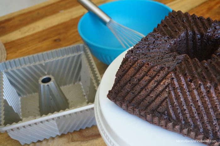 nordic ware bundt cake pan