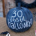 Orange Craft Pumpkin Makeover - Use black chalkboard spray paint! Halloween Countdown Craft