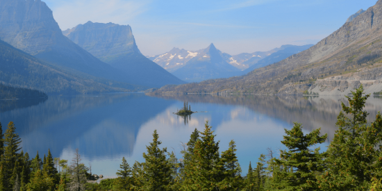 Glacier National Park Planning a trip? We've got some awesome travel tips, tricks, and hacks to help you make the most of your vacation. Plus, link up at Home Matters with recipes, DIY, crafts, decor. #Travel #TravelTips #HomeMattersParty