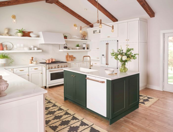 With a luxe look and a smudge-resistant, soft-touch feel, Matte White allows owners to create pops of brightness against dark cabinetry or a seamless blend in an all-white kitchen.